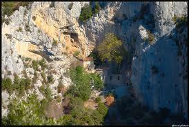 monastère falaise 2